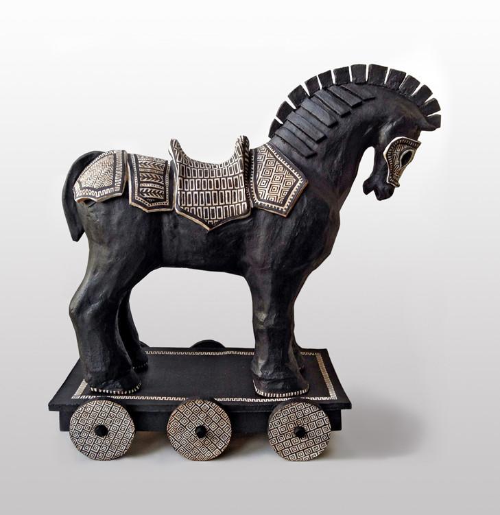 Trojan Horse 390 x 330 x 160 mm